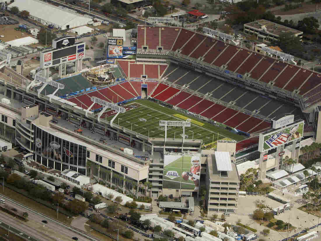 National Football League inviting 7,500 'heroes' to Super Bowl