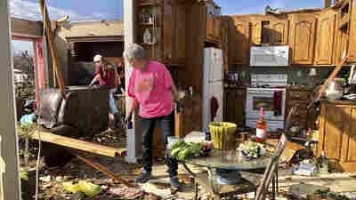 Tornado Rips Through Birmingham, Ala., Area Leaving At Least 1 Dead, Dozens Injured