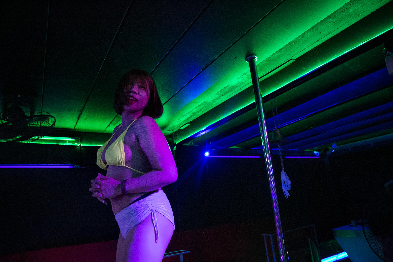 Photos 🏷️ workers thai sex Pork sinigang