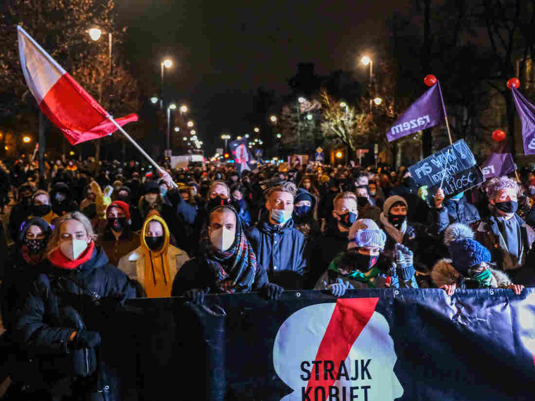 Near-Total Abortion Ban Takes Effect in Poland Amid Protests