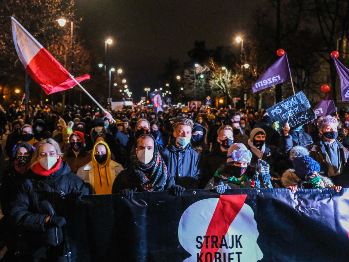 Polish protesters gather as ruling restricting abortion set to take effect