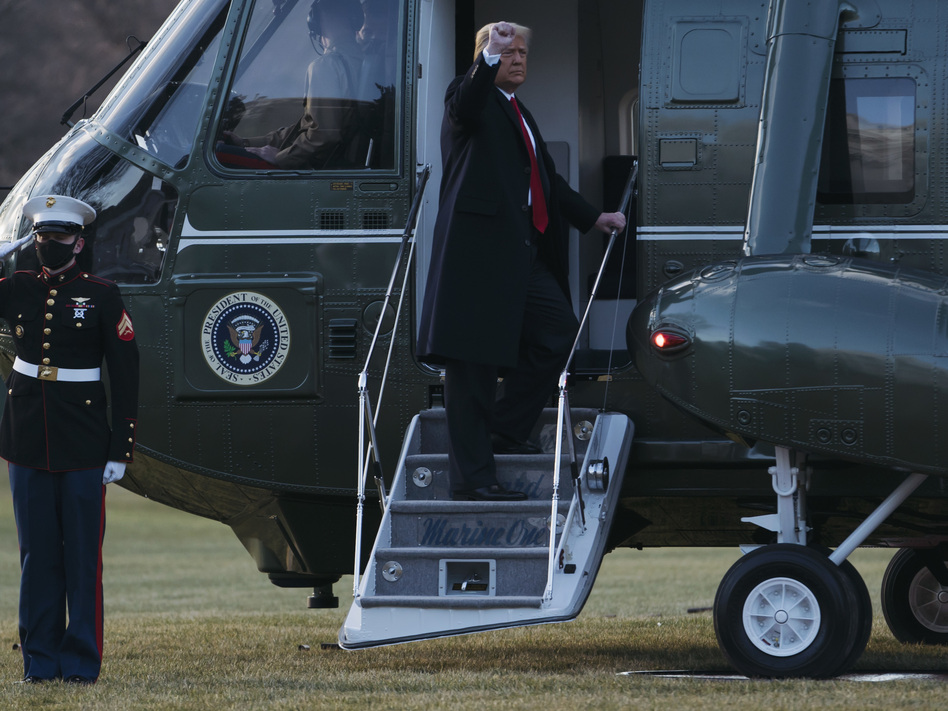 Former President Donald Trump boards Marine One as he departs the White House on Jan. 20. (Eric Thayer/Getty Images)