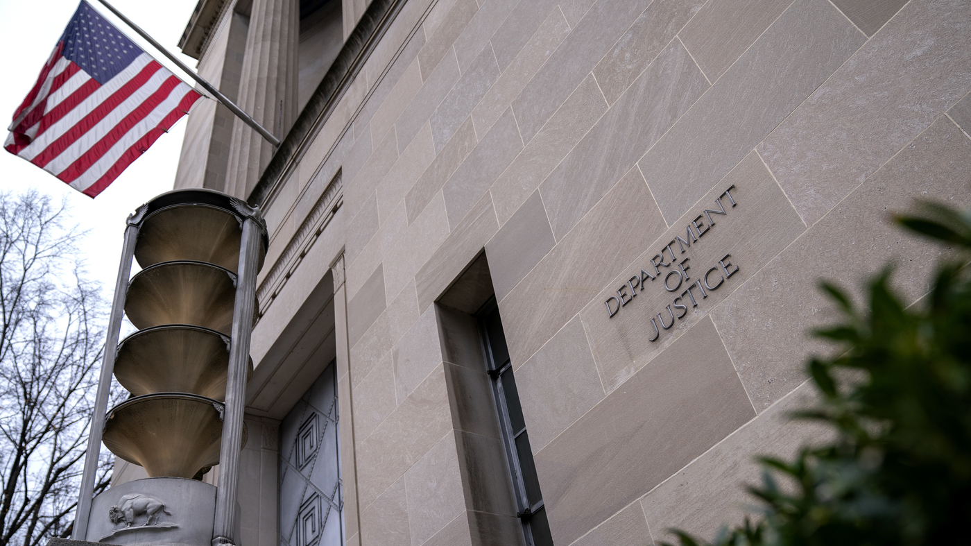 Justice Dept. To Transition U.S. Attorneys Sparing 2 Involved In Political Probes – NPR