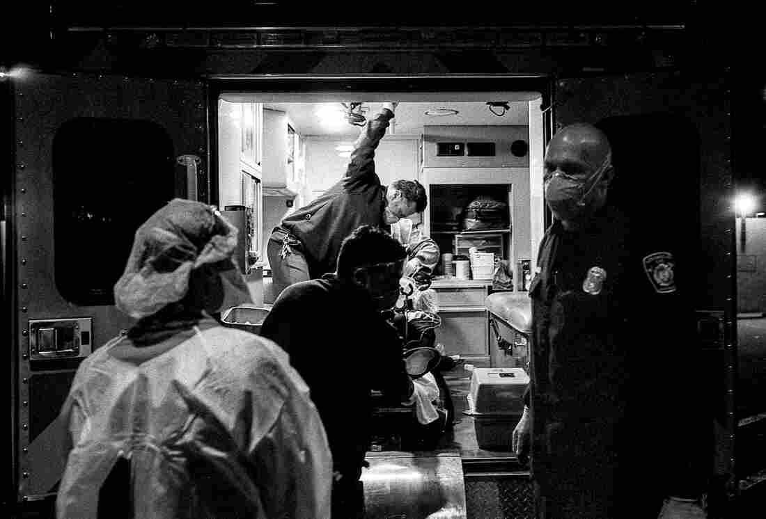 'The Essence Of Truth': A Doctor's Photos Document The COVID-19 Crisis In The ER 2
