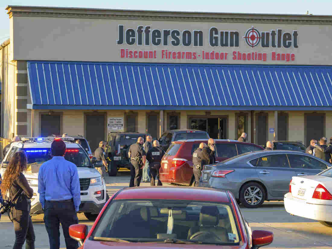 3 dead in shooting at gun store in New Orleans