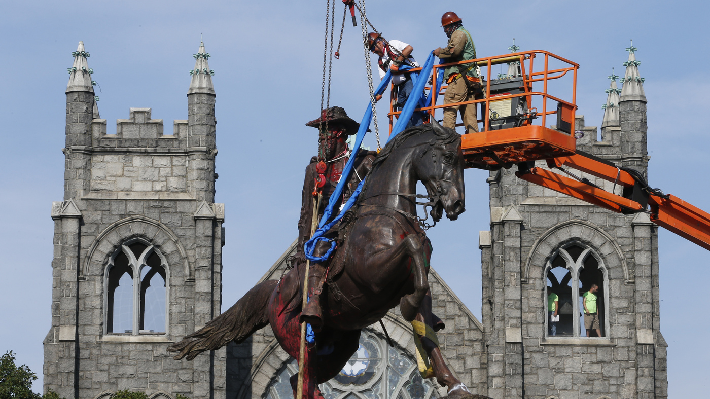 Nearly 100 Confederate Monuments Removed In 2020, Report Says; More Than 700 Remain