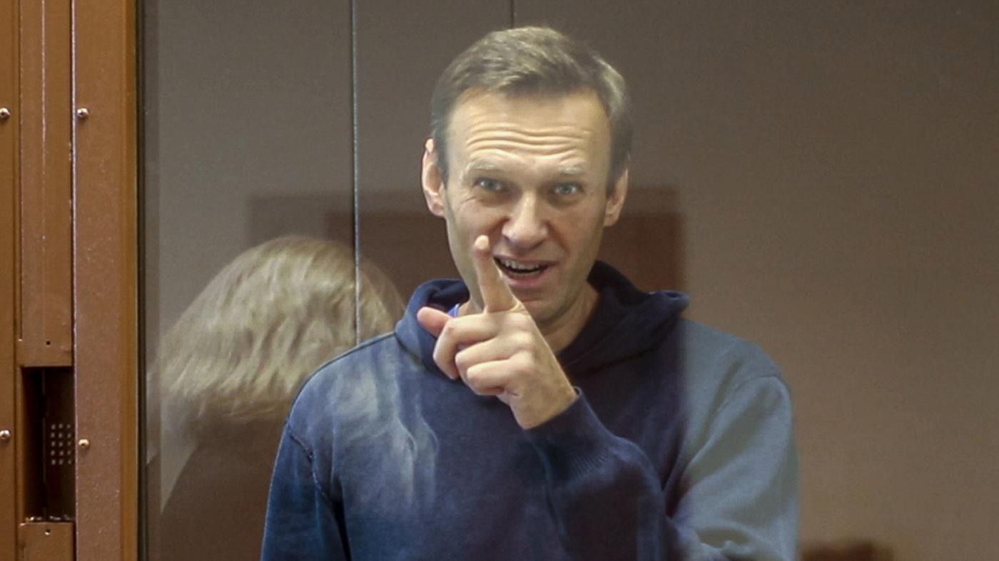 Amnesty Rescinds 'Prisoner Of Conscience' Designation For Russia Activist Navalny