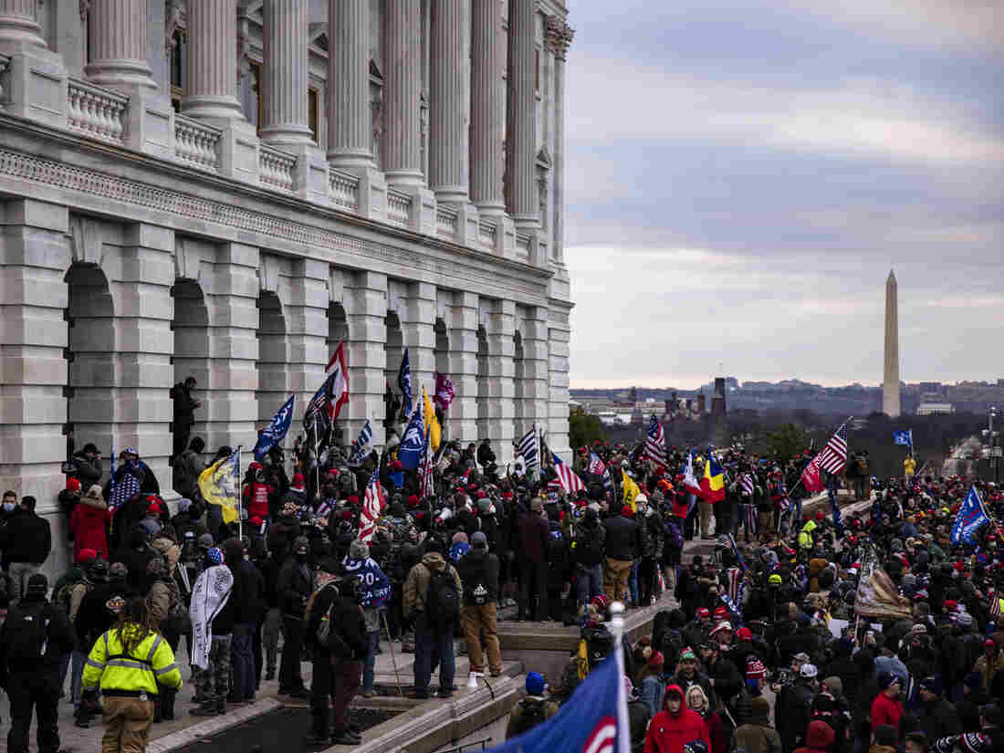 Prosecutors: Proud Boys Gave Leader 'War Powers,' Planned Ahead For Capitol Riot 2