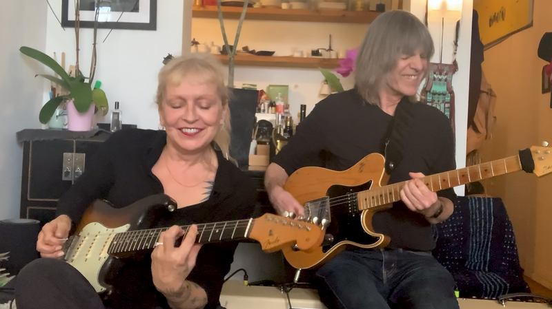 Leni and Mike Stern: Alone Together Duets