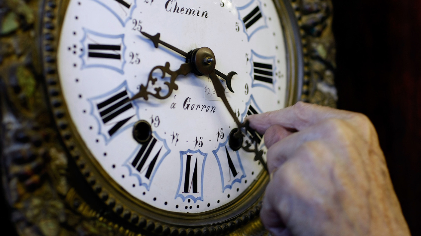 Some Senators Want Permanent Daylight Saving Time - NPR