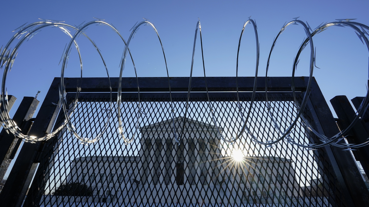 www.npr.org: High-Stakes Supreme Court Clash Between Growers, Farmworkers Could Blow Up Other Laws