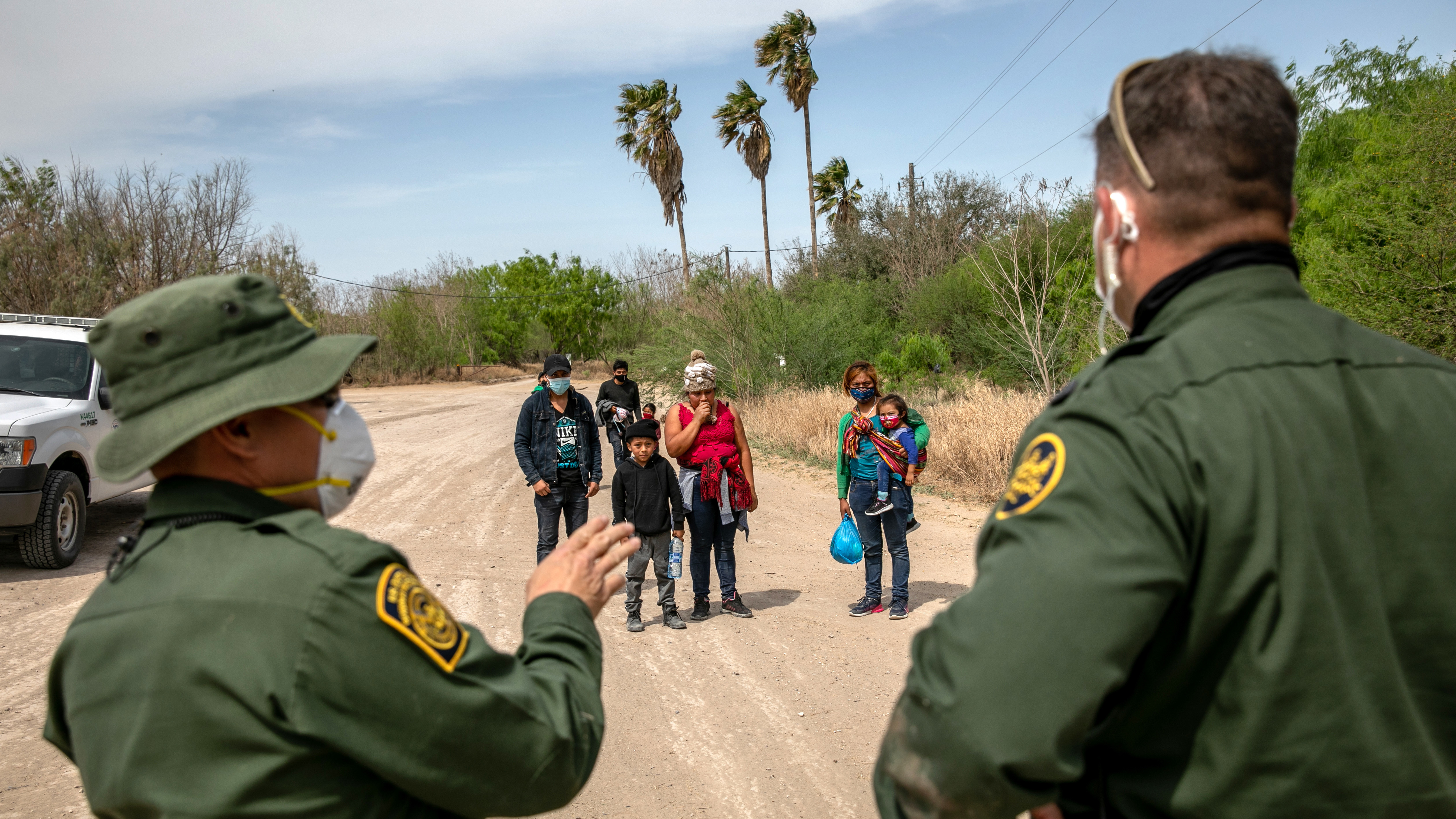Border patrol agents and asylum-seekers in texas