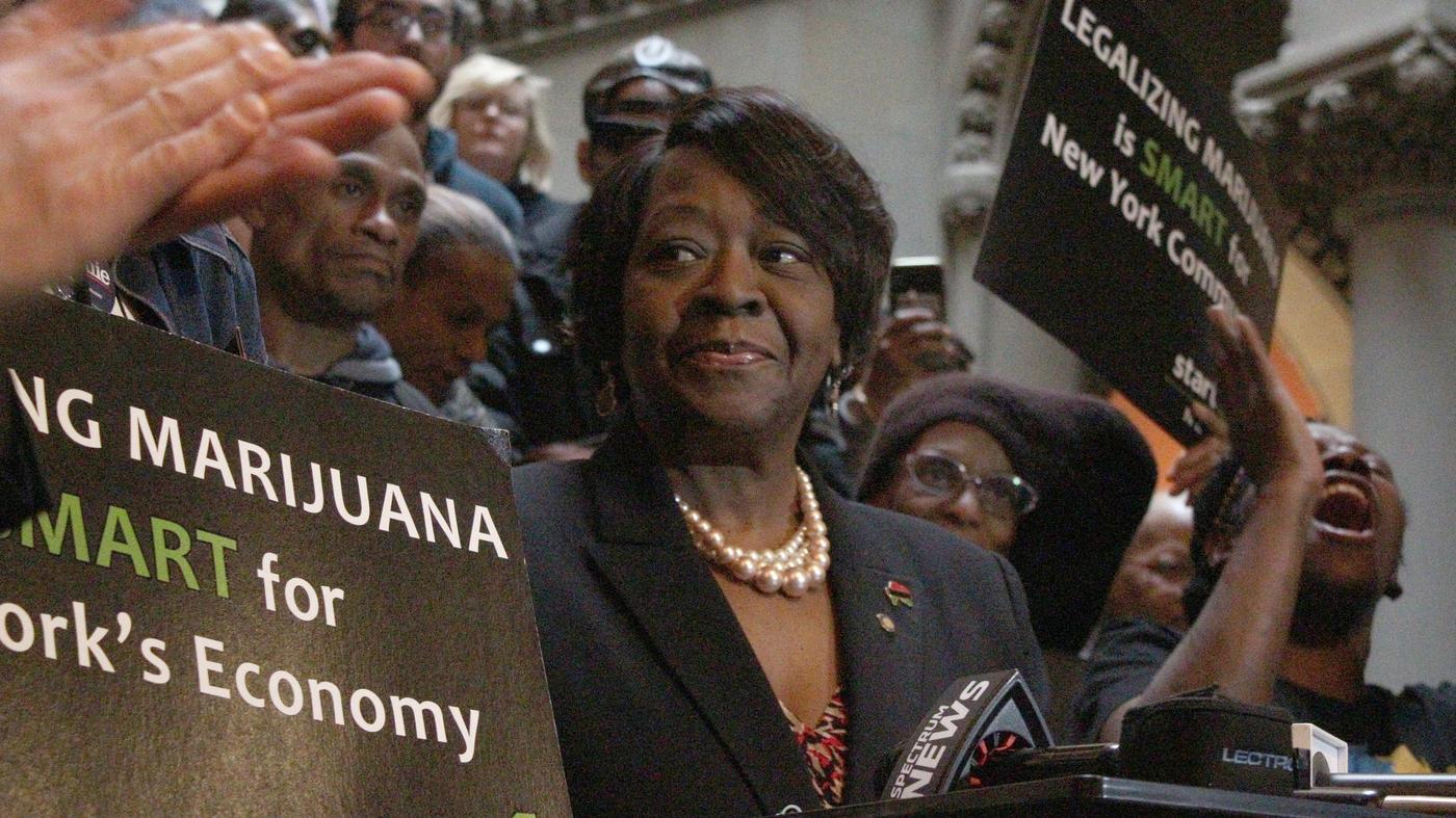 N.Y. Gov. Cuomo Signs Marijuana Legalization