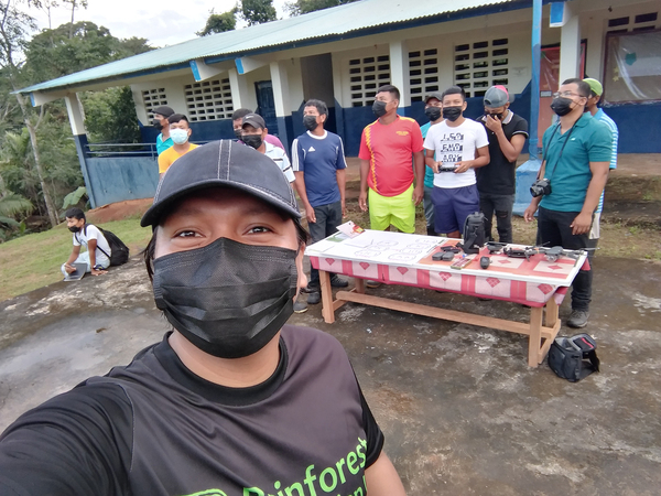 Cartographer Carlos Doviaza participates in a training on the use of drones to monitor forests in a community called La Marea, Darién.