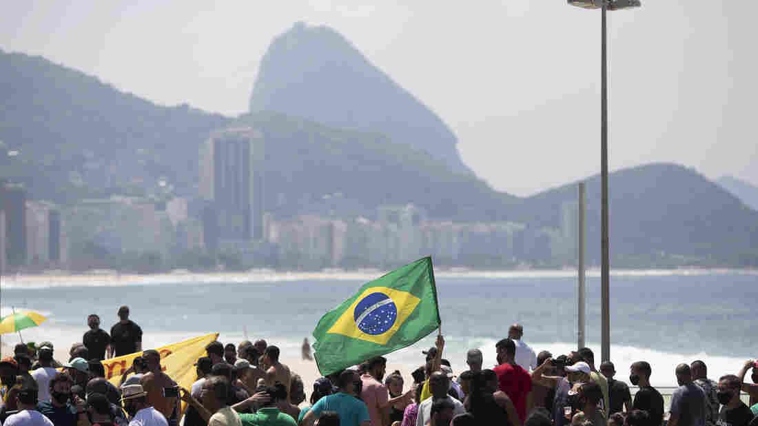 Brazil Tops 4,000 Daily COVID-19 Deaths, Nears U.S. Peak 2