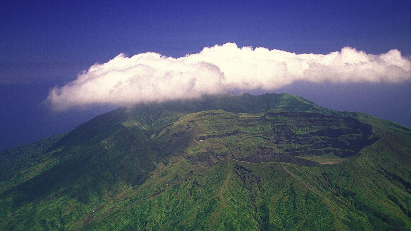 Threat Of Volcanic Eruption Forces Residents To Flee St. Vincent – NPR