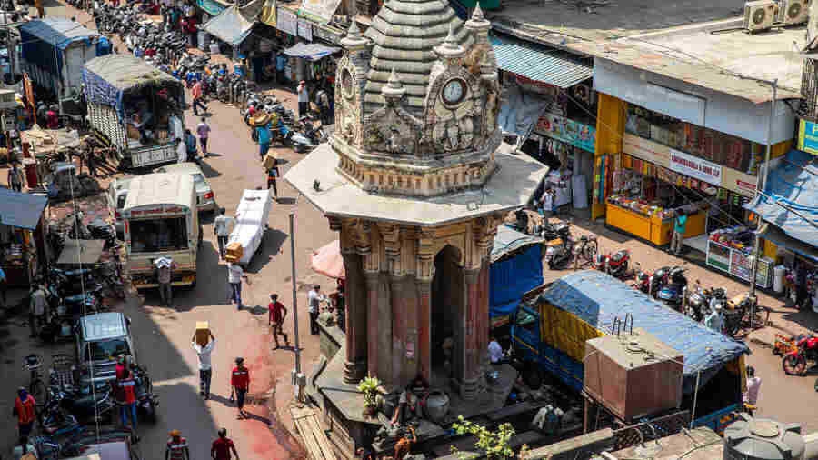 PHOTOS: Mumbai Falls In Love All Over Again With Its Forgotten Fountains