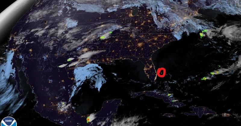 Над Южной Флоридой взорвался космический огненный шар