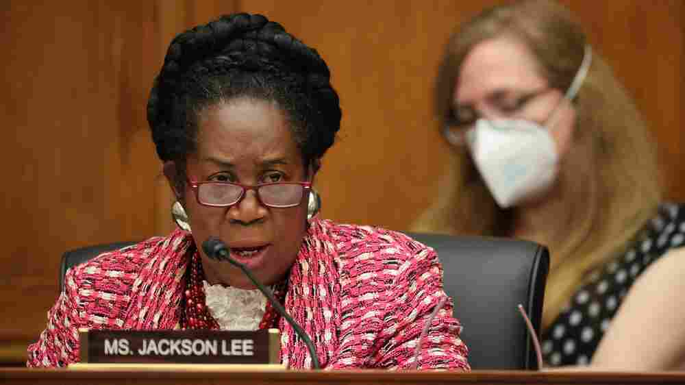 House Lawmakers Advance Historic Bill To Form Reparations Commission