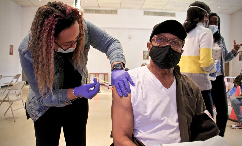 Why Hard-Hit Black And Latino Communities Still Lack Access To The COVID  Vaccine : Shots - Health News : NPR