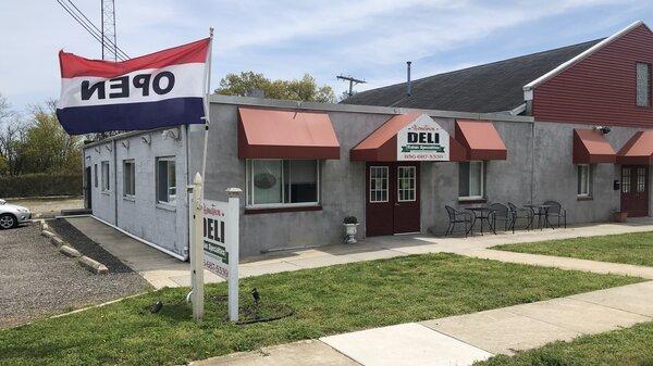 Hometown Deli in Paulsboro, NJ