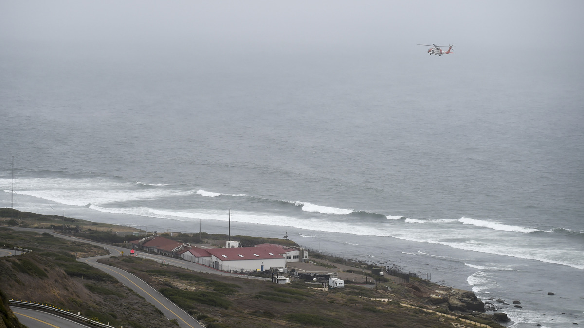 2 Dead And 23 Taken To Hospitals After Boat Capsizes Near San Diego