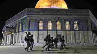 Israeli-Palestinian Clashes Escalate In Ramadan Night Violence At Al-Aqsa Mosque