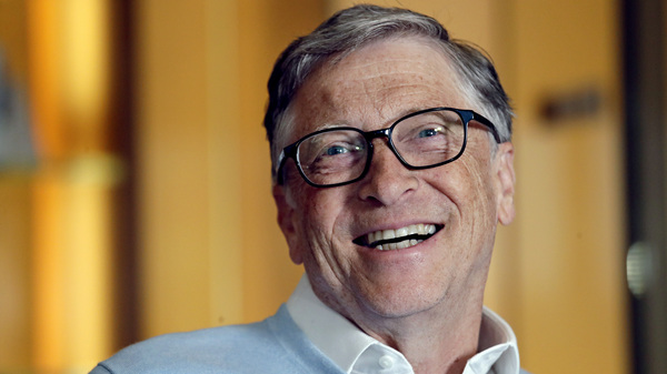 A spokeswoman for Bill Gates denied on Sunday that an investigation into a prior romantic relationship with an employee had anything to do with him leaving Microsoft's Board of Directors last year.