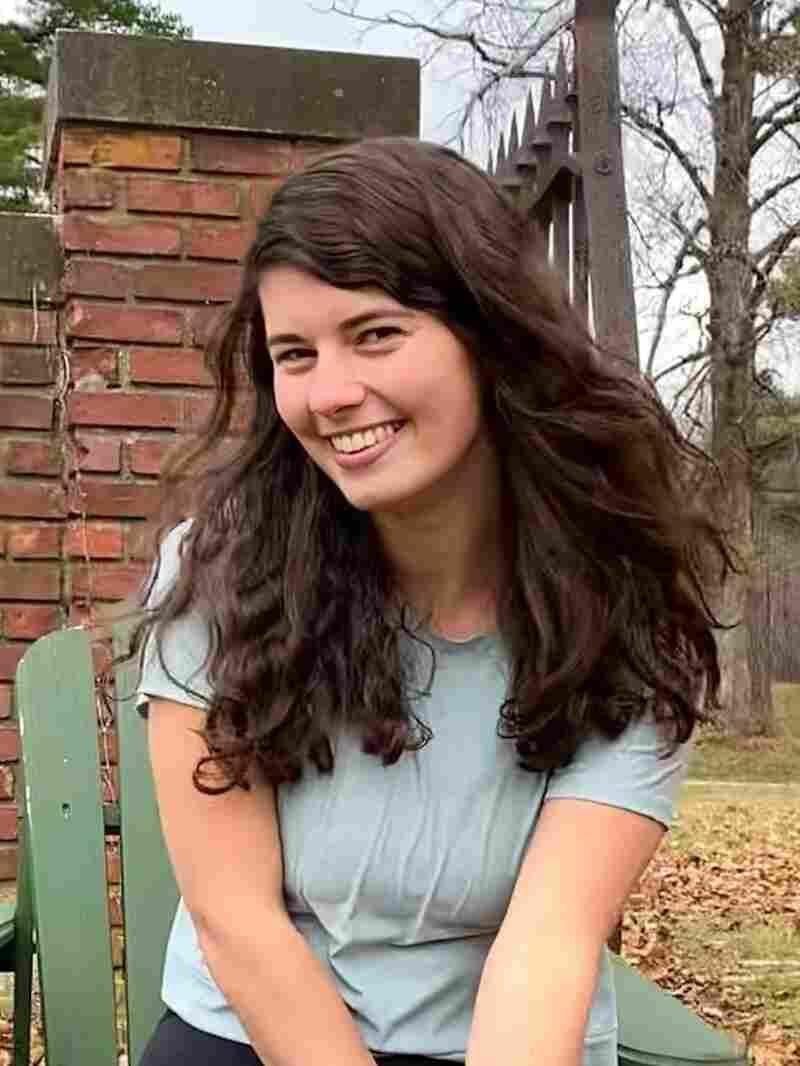 Katie Monteleone headshot