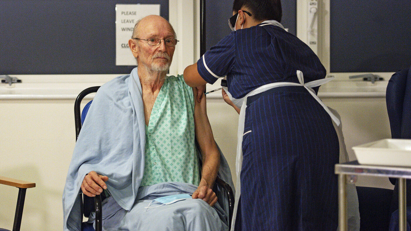 """William """"Bill"""" Shakespeare, The 2nd Briton To Receive A COVID-19 Vaccine, Has Died"""