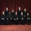 La Corte Suprema dictamina que un grupo católico no debería considerar a los padres adoptivos LGBTQ