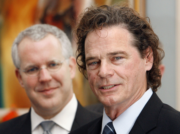 B.J. Thomas, right, seen in 2007 after Gov. Brad Henry, left, presented Thomas with a proclamation at the state Capitol in Oklahoma City.