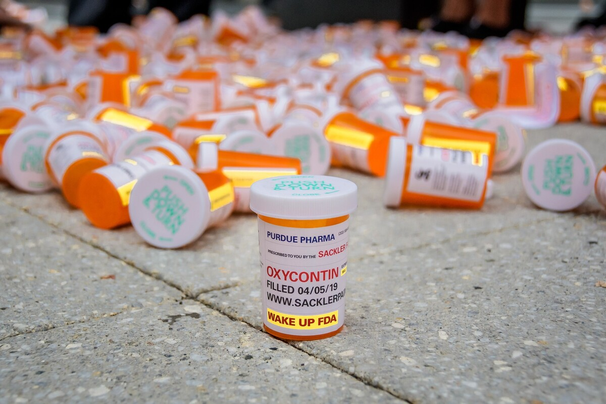 Sackler Family, Owner Of Purdue Pharma, Set To Win Immunity From Opioid Lawsuits : NPR