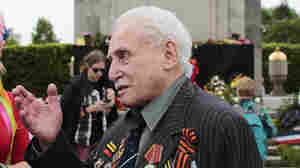 The Last Surviving Soldier Who Liberated Auschwitz Has Died