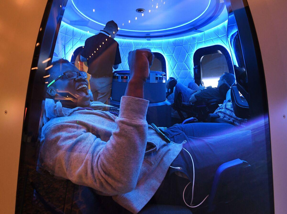 - gettyimages 1148270394 a949b33e9f1864f2fee038a483178ce3c35d2820 s1200 - Blue Origin Auction Winner Pays $28 Million For Space Flight : NPR