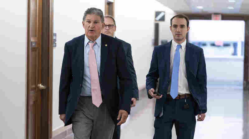 Manchin Offers A Voting Bill Compromise, But Key Republicans Swiftly Reject It