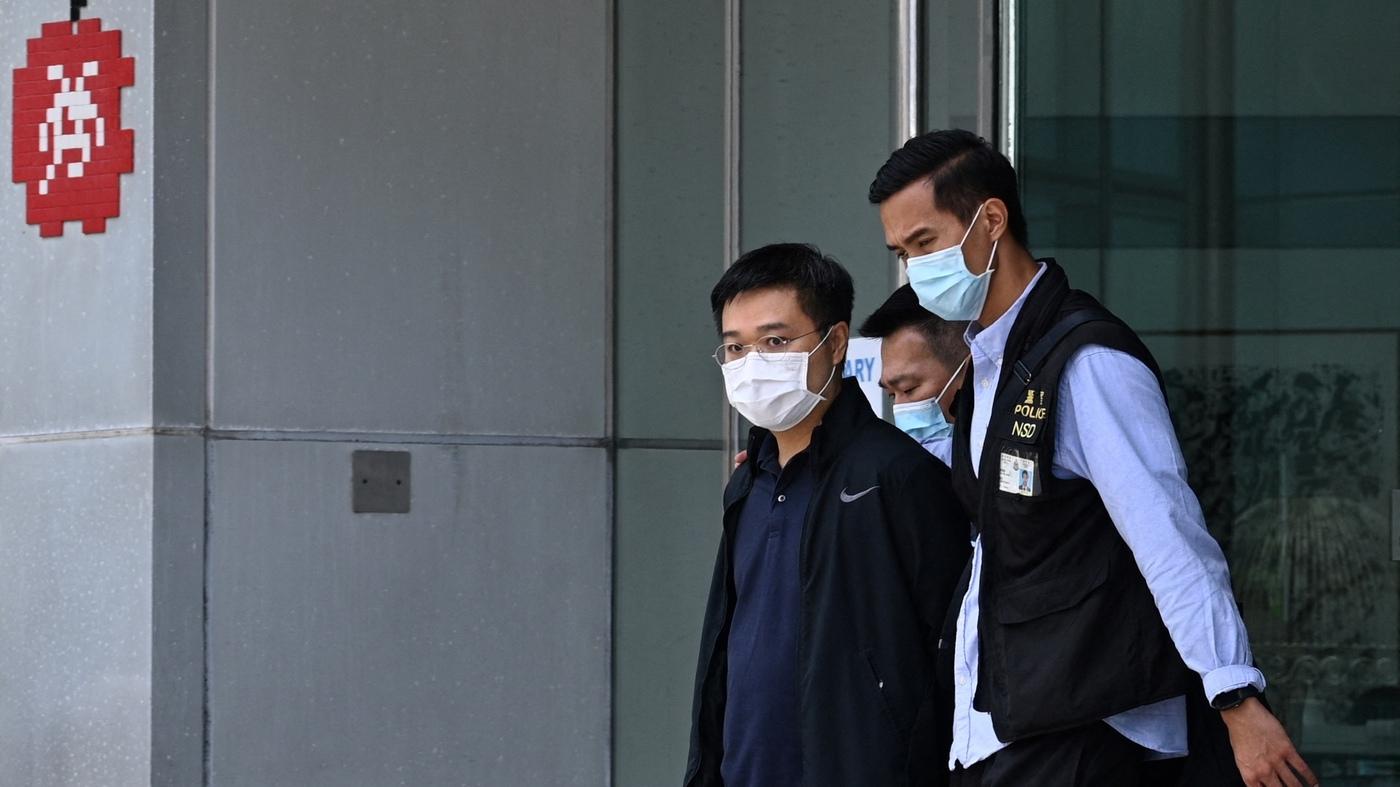 Police Arrest Daily Apple Editors Under Hong Kong Security Law – NPR