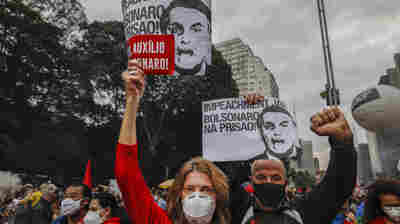 As Brazil Tops 500,000 COVID-19 Deaths, Protesters Blame President
