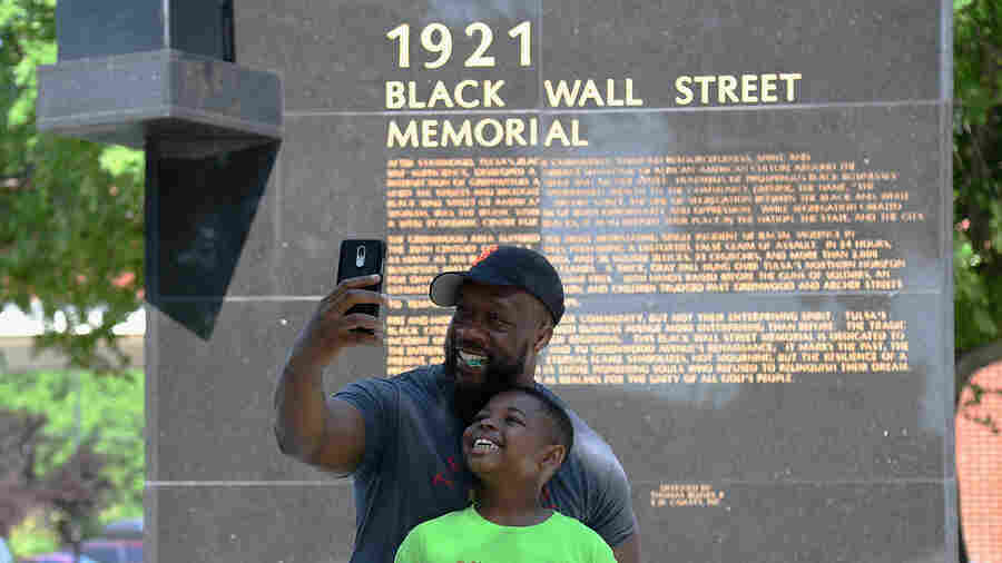Photos: Americans Celebrate Juneteenth After It Becomes A National Holiday