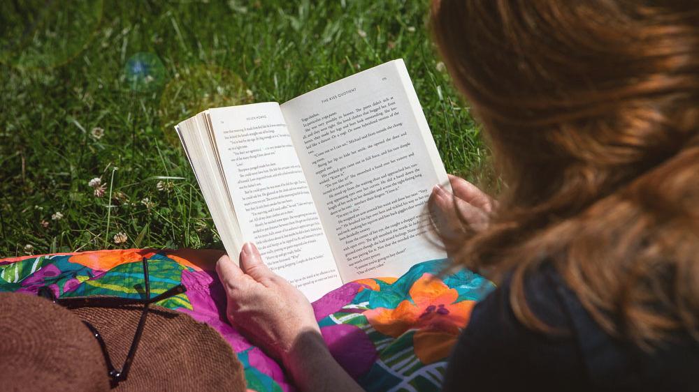 Summer Reading Starter Kit: Romance Novels