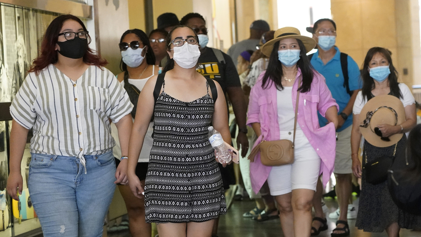 LA County Will Require People To Wear Masks Indoors, Even If They've Been Vaccinated
