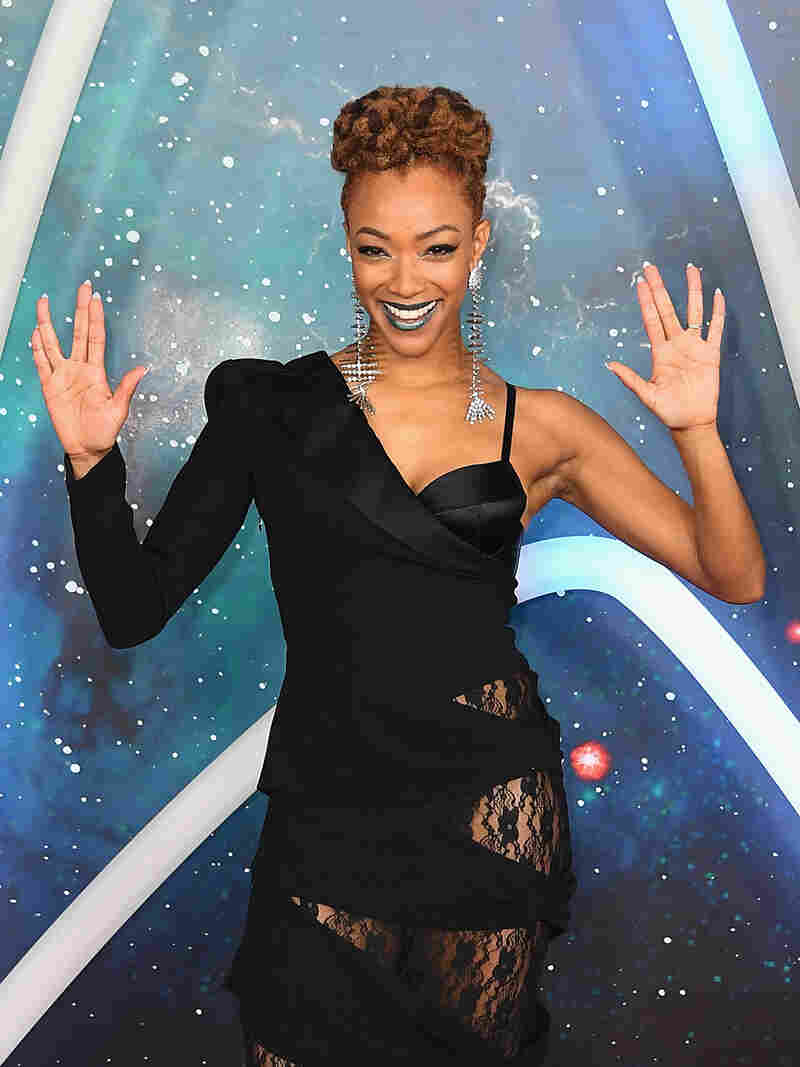 """Actor Sonequa Martin-Green attends the """"Star Trek: Discovery"""" Season 2 premiere at Conrad New York on January 17, 2019 in New York City."""