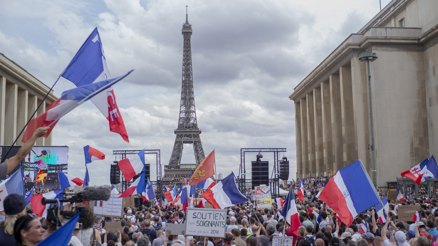 France Passes Law That Makes A Coronavirus Health Pass Required For Dining And Travel