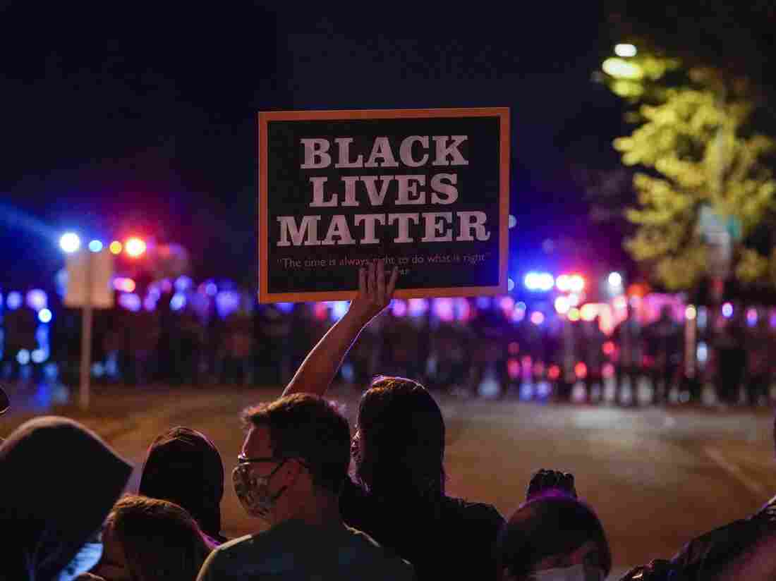 A Wisconsin Officer Will Be Charged In The 2016 Slaying Of A Black Man 2