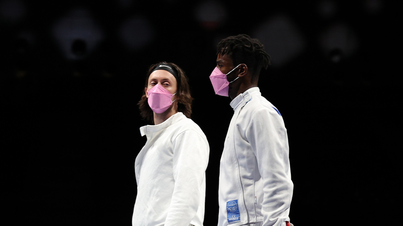 The U.S. Men's Fencing Team Wore Pink Face Masks To Protest Their Own Teammate
