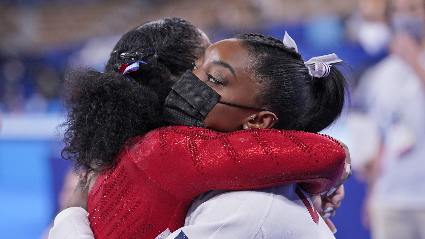 Simone Biles Withdraws From Floor, Still Might Compete In Balance Beam