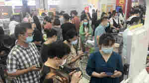 Panic-Buying And Transport Lockdowns. In Wuhan, It Feels Like Early Pandemic Again