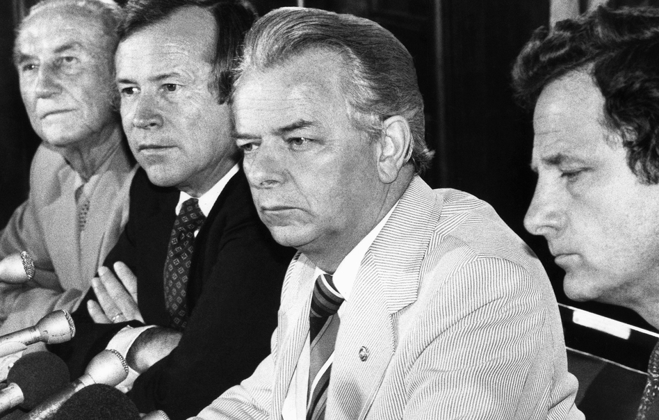 A bipartisanship group of senators — (from left) Strom Thurmond, R-S.C., Republican leader Howard Baker of Tennessee, Democratic leader Robert C. Byrd of West Virginia, and Birch Bayh, D-Ind. — hold a news conference in 1980. (Charles Harrity/AP)
