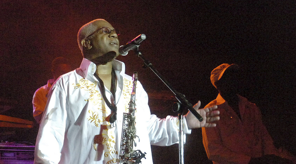 Dennis Thomas performs with Kool & the Gang at a 2008 concert in Bethlehem, Pa.
