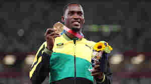 A Gold Medalist Returned To Thank The Volunteer Who Helped Him Make His Race On Time